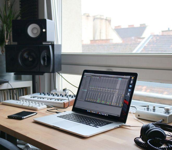 Comment bricoler une isolation acoustique dans un faux plafond ?